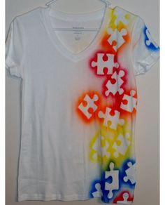DIY: Make your simple t- shirt more interesting.
