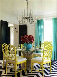 Westchester, New York dining room- design by Jonathan Adler. Warren Platner's 1966 dining table from Design Within Chinese Chippendale chairs. The chandelier is from the (via HouseBeautiful) Dining Room Colors, Dining Room Design, Dining Rooms, Dining Chairs, Dining Area, Room Chairs, Small Dining, Round Dining, Kitchen Colors
