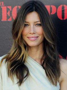 Jessica Biel's Hair Highlights      Jessica Biel's highlights transform low-maintenance into glam—subtler than ombré of seasons past, Biel lightened up her cool, dark chestnut hair with a few flaxen highlights on her ends.   Photo Credit: Getty Images, courtesy of iVillage