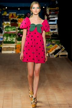 Moschino Cheap And Chic Spring 2012 Ready-to-Wear Collection Slideshow on Style.com