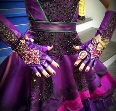 Dove's cotillion outfit Kara Sun shows off some bits of it Dove Cameron Descendants, Descendants Wicked World, Descendants Characters, Disney Channel Descendants, Descendants Cast, Hairspray Live, Rotten To The Core, High School Musical, Disney Villains