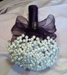 Pearl bouquet/boutonniere : wedding black purple white bridesmaids bouquet diy Bouquet Top