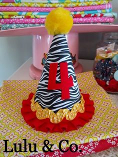 Basic Party hat in white/black zebra, red & yellow