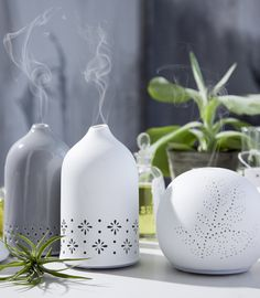 Escents' ceramic aroma diffusers make a beautiful addition to any space. Scent purify and deodorize the air you breathe.