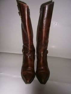 """""""VINTAGE DRESS-UP"""" HAINE DE FIRMA, HAINE DE DAMA: CIZME Cowboy Boots, Riding Boots, Heeled Boots, Dress Up, Heels, Vintage, Fashion, High Heel Boots, Heel"""