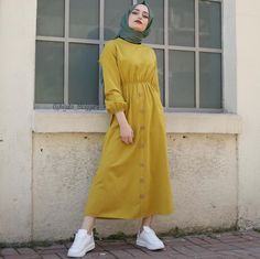 65 Ideas for style hijab outfit abayas Hijab Style Dress, Casual Hijab Outfit, Hijab Chic, Modern Hijab Fashion, Muslim Women Fashion, Modest Fashion, Mode Outfits, Fashion Outfits, Ootd Fashion