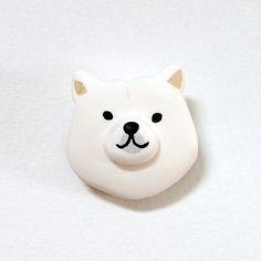北海道犬のブローチ