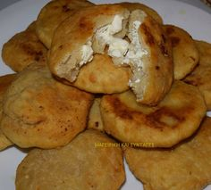 Cheese Snacks, Cheese Bites, Greek Dishes, Pastry Art, Greek Recipes, Finger Foods, Tart, French Toast, Brunch