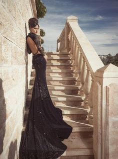 Hey fashionista, today I found this collection of glamorous evening dresses by Oved Cohen and I want to share it with you. Glamorous Evening Dresses, Elegant Dresses, Pretty Dresses, Sexy Dresses, Evening Gowns, Evening Attire, Robes Glamour, Costume, Elegant Woman