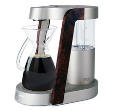 James Owen has won silver spark award for his design: Ratio Eight Coffee Machine. It's a simple yet smart coffee machines that brews a perfect coffee while Gadget Magazine, Home Gadgets, Electronics Projects, Coffee Machine, Diy Videos, Drip Coffee Maker, Popcorn Maker, Best Gifts, Silver