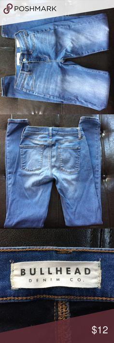 🎄Pacsun Bullhead high waisted Jeggings!  🎄 Gently worn high waisted Jeggings from Pacsun.  24 waist 30 length. Bullhead Jeans Skinny