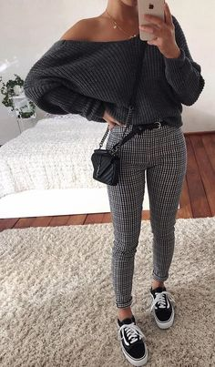 simple fashion outfits for women feel comfy 1 ~ my.me simple fashion outfits for women . Cute Casual Outfits, Girly Outfits, Mode Outfits, Simple Outfits, Teenage Outfits, Winter Fashion Outfits, Winter Outfits, Fashion Spring, School Outfits