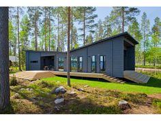 Lokki - #Einfamilienhaus von Honka Blockhaus GmbH | HausXXL #Blockhaus #modern #Pultdach