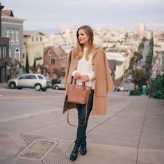 Pin for Later: What Do Your Style and Your City Have in Common? San Francisco The Brands: Free People Madewell Vince Zara BCBG Max Azria Everyday Look, Everyday Fashion, Gal Meets Glam, Outfit Combinations, Fall Winter Outfits, Winter Style, Signature Style, Dress Codes, Black Sweaters