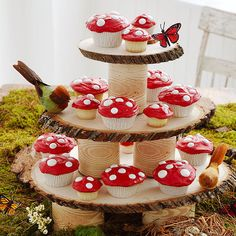 Woodland Fairy Tale Birthday Party -- LOVE the cupcake stand made from a tree and the mushroom cupcakes. Fairy Birthday Party, Birthday Party Themes, Cake Birthday, Birthday Ideas, Outdoor Birthday, Winter Birthday, Garden Birthday, Bear Birthday, Animal Birthday