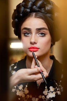 Fill in those EyeBrows!! Chanel - Backstage | Galería de fotos 6 de 11 | VOGUE