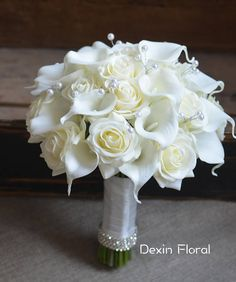 This Price Is For One Bridal Bouquet: Created With Ivory Calla Lilies And Ivory Roses With Bling In The Bouquet Wrapped With White Ribbon And Rhinestones, About Pick Your Colors, Contact With Us Now We Have About 30 Colors In Stock: Lily Bouquet Wedding, Pearl Bouquet, Calla Lily Bouquet, White Wedding Bouquets, Wedding Flower Arrangements, Calla Lilies, Bridal Bouquets, White Rose Bouquet, Bridesmaid Bouquets
