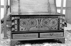 A Look Back in History: Rare Bieber 1780 folk art Edelweiss Dower Chest Found - Berks-Mont News