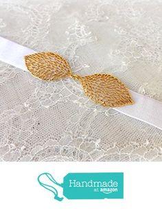 White elastic waist belt. Gold leaf belt. Stretch belt. Dress belt. Bridal belt. Bridesmaids belt. Grecian belt. Wedding belt. from Miss Lace Accessories https://www.amazon.com/dp/B07636KNRV/ref=hnd_sw_r_pi_dp_utk1zbW884XK8 #handmadeatamazon