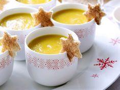 soep van pastinaak ; wortel en appel. aardappel vervangen door bataat of weglaten.