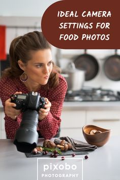 Food photography is one of those photography niches that makes our saliva run from our mouth. While it's comfortable being around good and colorful food, it's always important to capture the right details. Since many food photos appear in food blogs or even food magazines, it's important that these photos scream quality. But, do you know what are the ideal settings for food photography? In this blog post you can find out ideal food photography settings and much more. #foodphotography… Photography Set Up, Photography Settings, Photography For Beginners, Photography Business, Photography Tutorials, Amazing Photography, Food Magazines, Colorful Food, Lightroom Tutorial