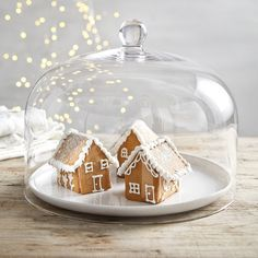 Ensure that this year's Christmas dinner is one to remember. Discover some beautifully styled Christmas table decorations here at The White Company. Christmas Gingerbread House, Swedish Christmas, Noel Christmas, Christmas Desserts, White Christmas, Gingerbread Houses, Christmas Decorations, Christmas Ideas, Country Christmas