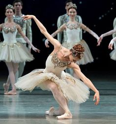 Gorgeous tutu from Balanchine's ballet Diamonds (part of Jewels). Ballet Tutu, Ballerina Dancing, Ballet Dancers, Ballerinas, Ballerina Tutu, Ballerina Project, Shall We Dance, Just Dance, Dance Photos