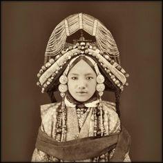 Tibetan Lhacham, Tibet (1879)