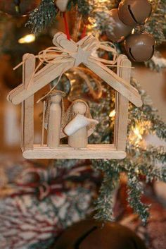 Easy Christmas Crafts for Kids to Make - Popsicle Stick Chri.- Learn how to make Easy Christmas Crafts for Kids with these amazing Popsicle Stick Christmas Ornaments. Nativity Crafts, Christmas Nativity, Diy Christmas Ornaments, Christmas Angels, Christmas Art, Simple Christmas, Christmas Holidays, Christmas Decorations, Nativity Ornaments