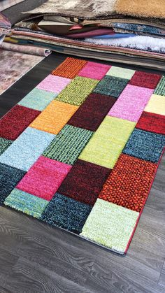 Simple Geometric Designs, Geometric Rug, Country Rugs, Still Life Images, Rug Texture, Polypropylene Rugs, Rugs Online, Modern Rugs, Colorful Rugs
