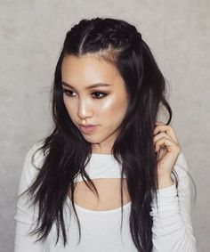 Pretty Top Braided Long Black Hairstyles for Women