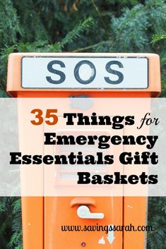 If you are giving a gift to a family member or friends, why not make it one that could be life saving. Here are 35 ideas for budget-conscious things to put in emergency essentials gift baskets. Or update your own. Camping Gift Baskets, Raffle Baskets, Get Well Gift Baskets, Get Well Gifts, Gifts For Old People, Craft Gifts, Diy Gifts, In Case Of Emergency, Living Room