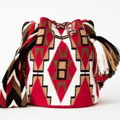 Mochila of August 2014 Wayuu Boho Bags with Crochet Patterns Crochet Handbags, Crochet Purses, Crochet Bags, Mochila Crochet, Tapestry Crochet Patterns, Knitting Patterns, Tapestry Bag, Boho Bags, Knitted Bags