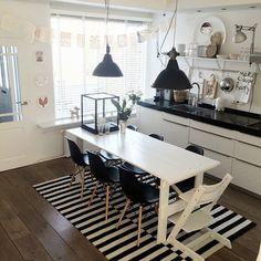"""Carpet looks great in the kitchen:) #IKEAinspirasjon #interiør #inredning #inredningdesign #interior4all #inredningsdetaljer #inredningsinspiration…"""