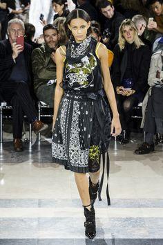 Sacai Spring 2016 Ready-To-Wear Collection  - ELLE.com