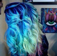amazing blue hair♥
