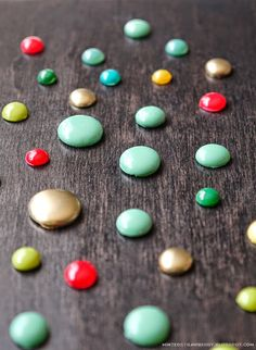Different Ways to Make Enamel Dots @ mintedstrawberry.blogspot.com #scrapbooking #cardmaking #embellishment
