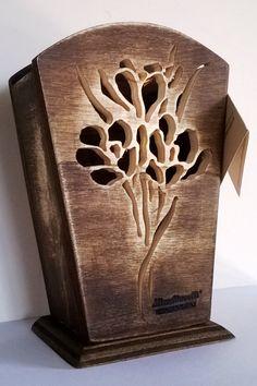 Vaso per fiori in legno con tecnica del traforo...euro 22,80