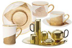 'Golden' - AD España, © D.R. azas y platos de la colección Fine China de Kelly Wearstler. Juego de té de Tom Dixon. Foto D.R.