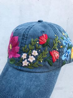 Hand embroidered baseball cap with flowers image 5 Hand Embroidery Videos, Hat Embroidery, Flower Embroidery Designs, Embroidery Fashion, Machine Embroidery, Bone Bordado, Embroidered Baseball Caps, Flower Hats, Kids Hats