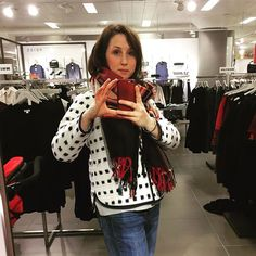 Finally a cheeky @johnlewisretail selfie. Although the main fabric is from JL is so sad how tiny and unloved feeing their habdash is becoming 😢 #tamarackjacket #ikat #grainlinestudio #cosy #libertyoflondon #memade #sewcialistcosy,memade,grainlinestudio,tamarackjacket,libertyoflondon,sewcialist,ikathelenwhimster