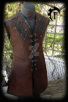 So here is a leather vest that we did for a client. It is made of brown oiled leather and green stamped edges. This vest was made for a custom order and was inspired by the beautifull work of Adhra...