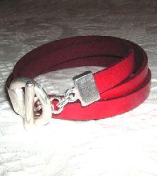 tuccifashiononline-2015-129-bracelet-red-3-wrap-pict1443-223x250 Bracelet Making, Fashion Online, Bracelets, Red, How To Make, Accessories, Making Bracelets, Bracelet, Arm Bracelets