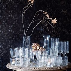 LÖNSAM karaffel. 1 liter. Klart glas 12.- FRASERA whiskyglas. 30 cl 12.- SVALKA snapseglas. 4 cl. Klart glas 29.-/6 stk. HEDERLIG champagneglas. 22 cl. Klart glas 12.- POKAL vinglas. 20 cl. Klart glas 10.- FÖRTJUST fyrfadsstage. 8 cm. Klart glas 15.-