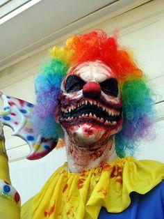 Scorch Clown Latex Prosthetic Mask Clown Makeup by JaneDoeFX Creepy Clown Makeup, Scary Clown Costume, Gruseliger Clown, Scary Clown Mask, Creepy Masks, Zombie Mask, Halloween Clown, Halloween Makeup Looks, Halloween Photos