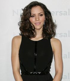 Shoulder length hair style with voluminous curls: Katharine McPhee | followpics.co