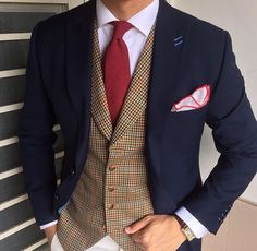 British Style — classydappermen: by via. Look Formal, Men Formal, Sharp Dressed Man, Well Dressed Men, Mode Masculine, Mens Fashion Suits, Mens Suits, Style Masculin, Komplette Outfits