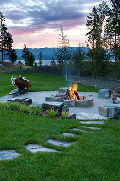 Firepit/Lakeside Retreat by Ciao