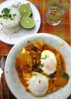 Sudado o Sudao de Huevo (Colombian-Style Egg Stew) Colombian Dishes, My Colombian Recipes, Colombian Cuisine, Meet Recipe, Great Recipes, Favorite Recipes, Comida Latina, Latin Food, International Recipes