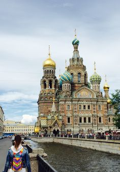 What's more colorful? St Petersburg 2015